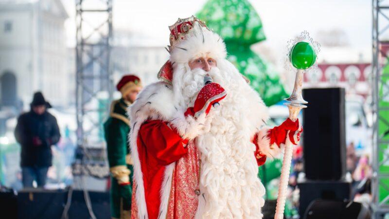 Дед Мороз спешит творить чудеса